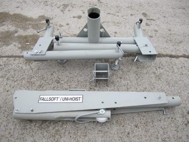 Image of UH6001 Portable Entry & Retrieval Hoist System disassembled from G.D. MacKay.